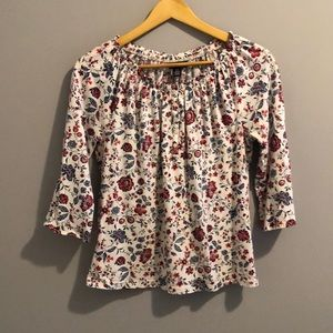 CHAPS BEAUTIFUL FLORAL TOP (M)